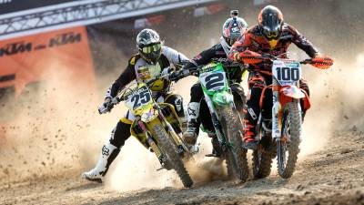 b2ap3_thumbnail_Action_RV_DeSalle_Searle_MXGP_2015_R02_RX_4695.jpg