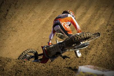 b2ap3_thumbnail_top-10-worst-dirt-bike-crashes-from-the-ama-2013-motocross-season.jpg